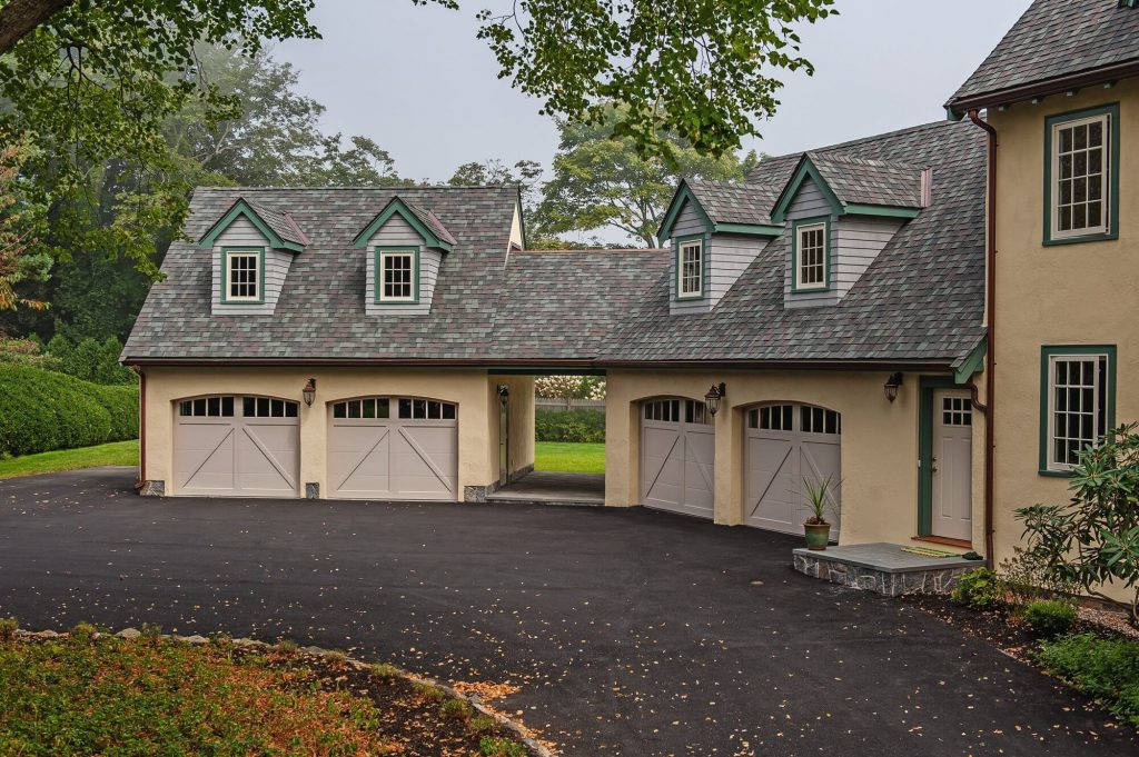 Lewis River Doors provides Castle Rock garage door maintenance service