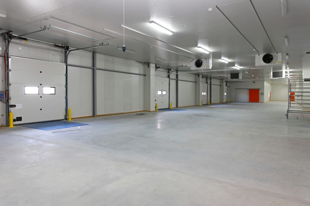 Lewis River Doors provides Lakeview commercial garage door replacement