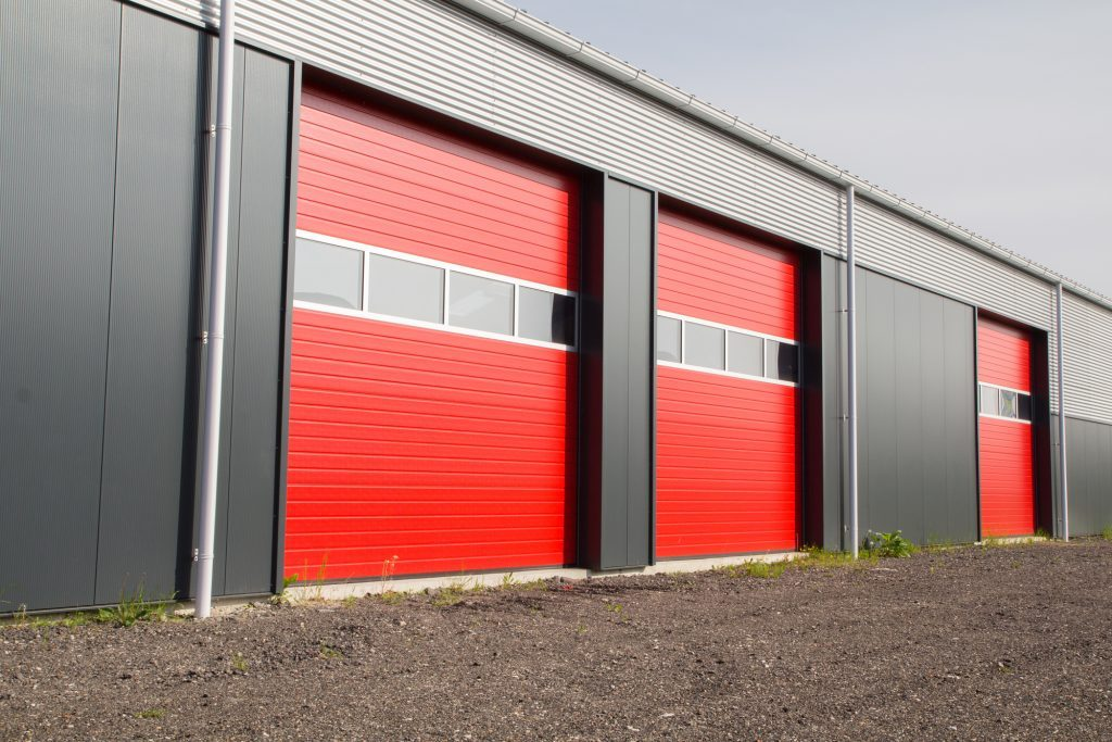Lewis River Doors provides Toutle commercial garage door replacement